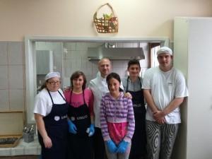 Marija, Tajana, Maja, Lovro, Viktor i kuhar Vedran Habel